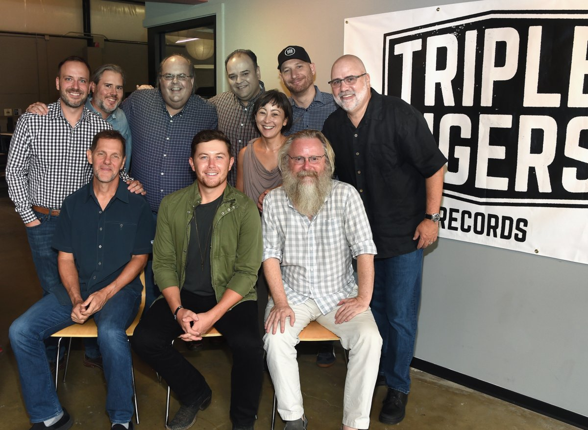 SCOTTY McCREERY SIGNS WITH TRIPLE TIGERS RECORDS / SONY MUSIC ENTERTAINMENT
